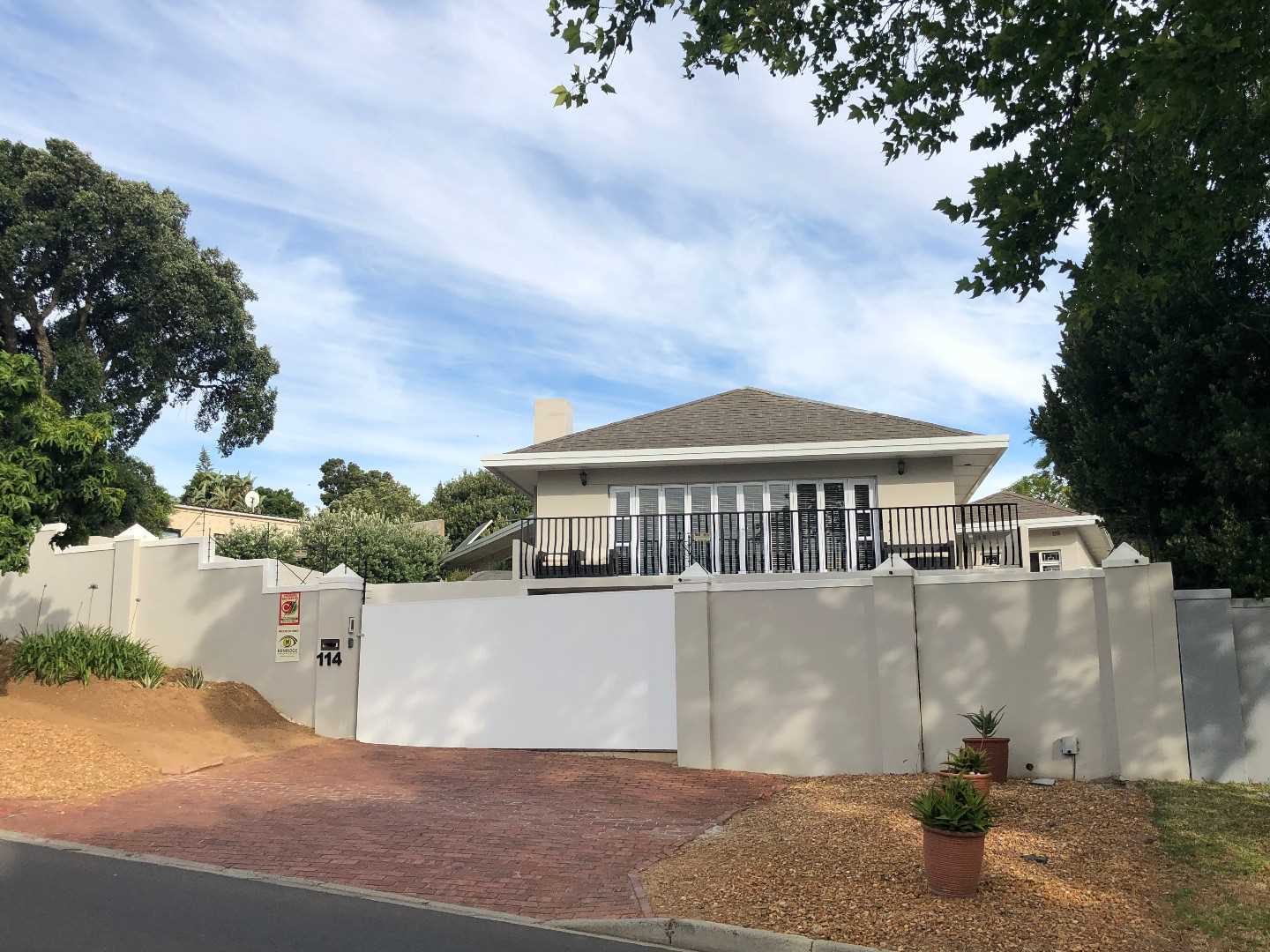 Upper Kenridge Avenue with soooo much to offer R3,950,000