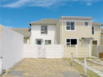 House for sale in Thornton