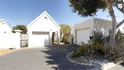 Pinehurst property for sale. Ref No: 13739343. Picture no 1