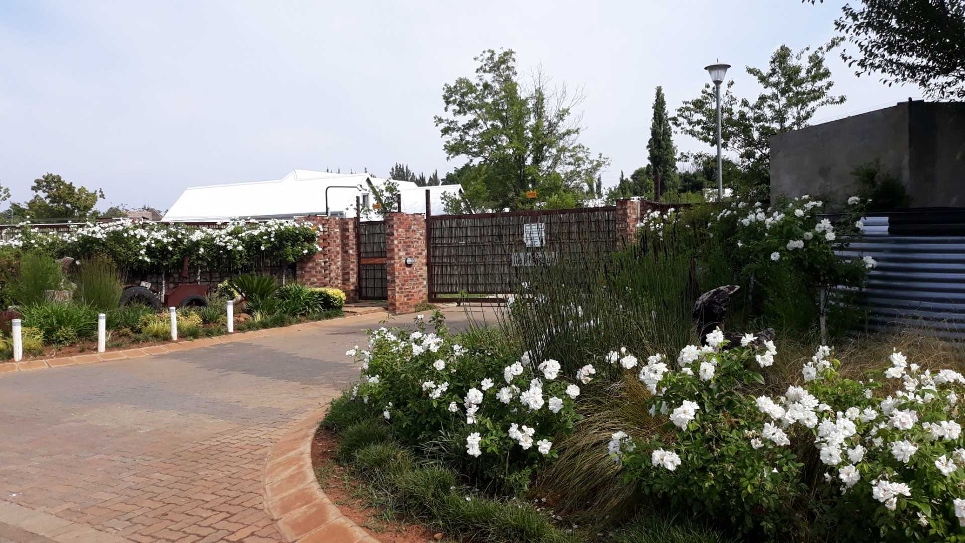 Buy as stand in this peaceful estate situated close to everythins