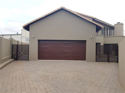 Property and Houses for sale in Eldo Meadows, Townhouse, 4 Bedrooms - ZAR 3,150,000