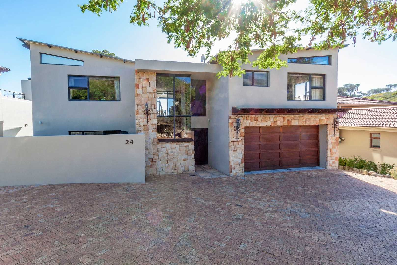 Modern Home With Sea Views In Boskloof Eco Estate!
