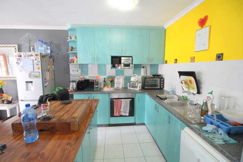 Great starter home close to schools and access routes