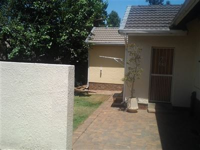 Property and Houses for sale in Brackendowns, House, 3 Bedrooms - ZAR 1,800,000