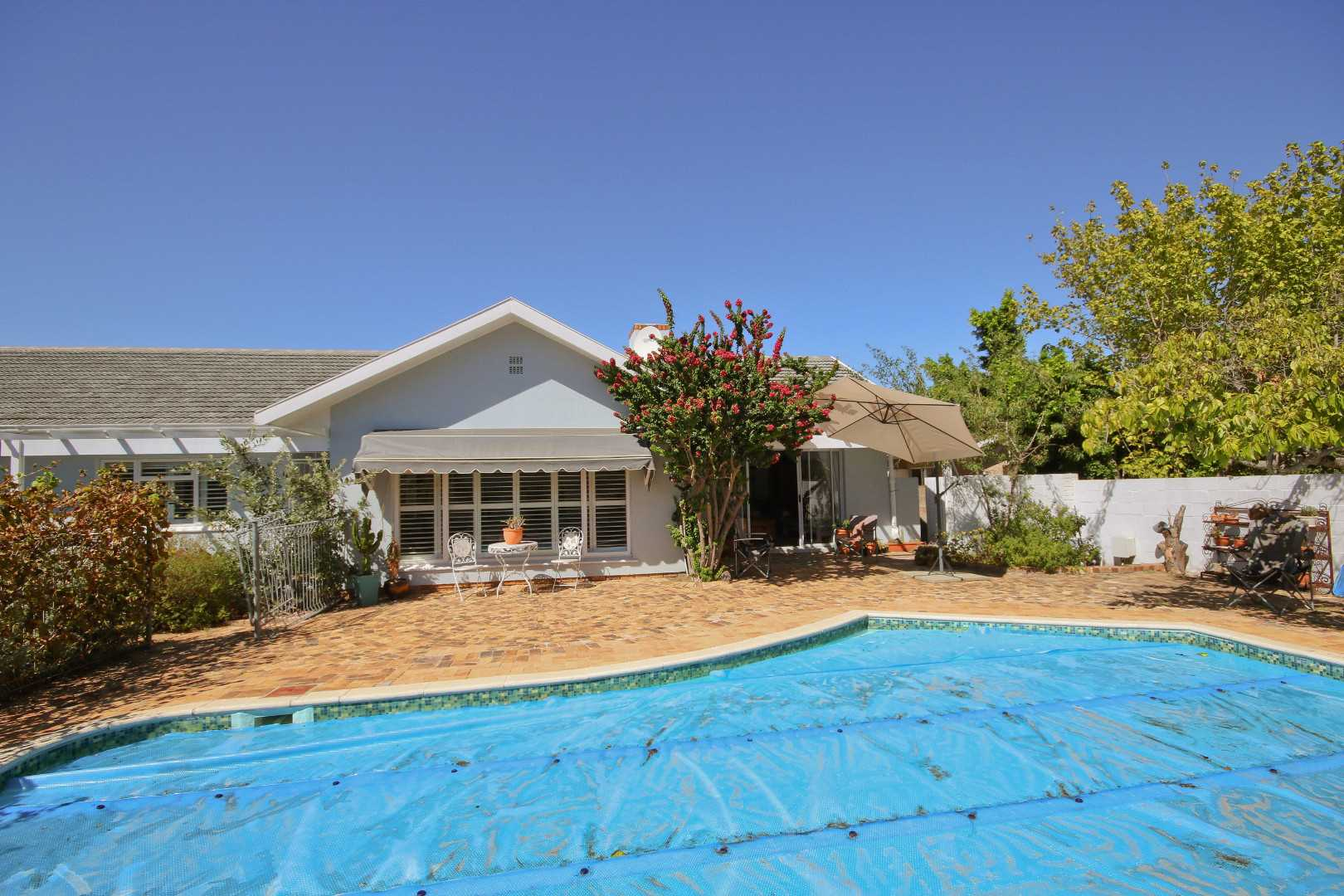 Picture Perfect Home in Somerset West