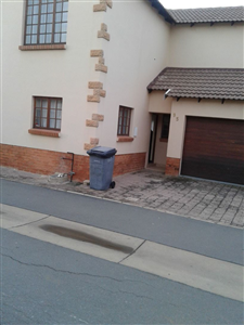 Property and Houses for sale in Montana Tuine, Townhouse, 3 Bedrooms - ZAR 895,000