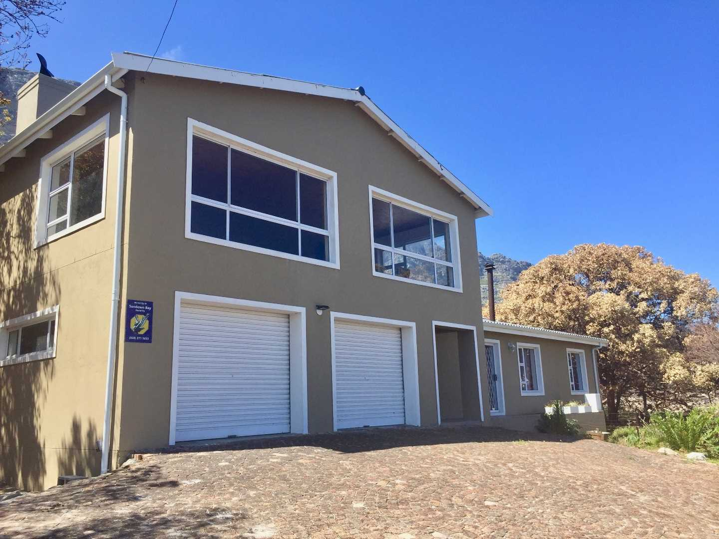 4 Bedroom Relaxed Living Property | Sea Views | Bettys Bay