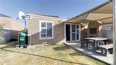 Property and Houses to rent in Sonstraal Heights, Townhouse, 2 Bedrooms - ZAR , 11,00*,M