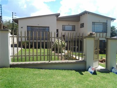 House for sale in South Crest