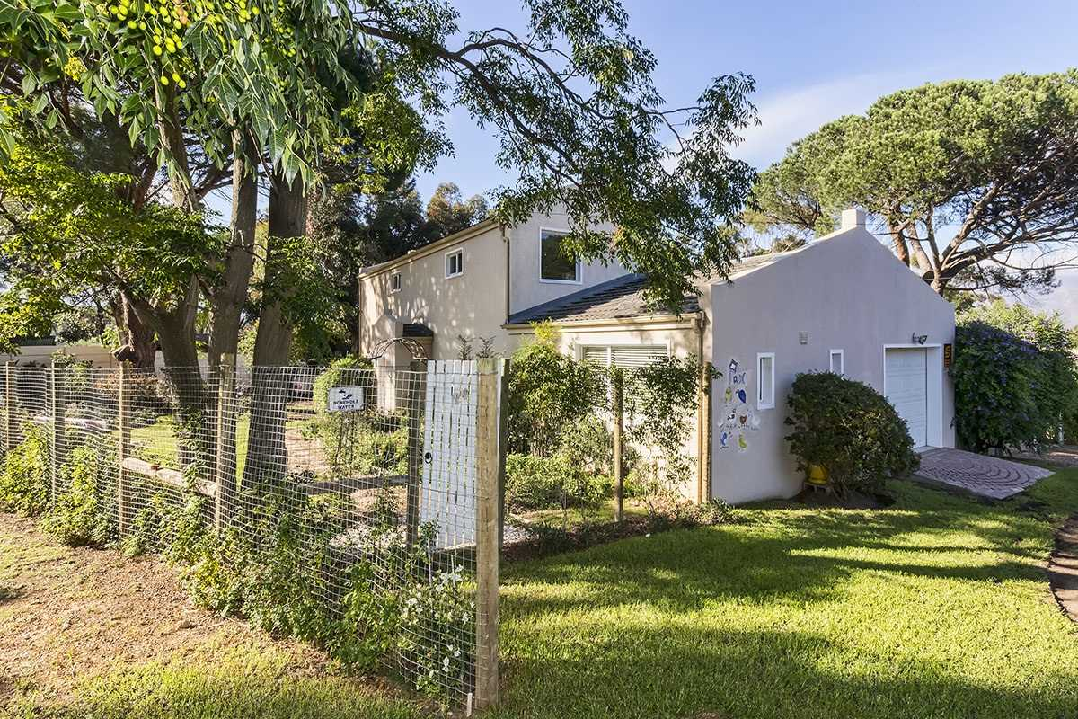 Dual living in rural setting in Somerset West