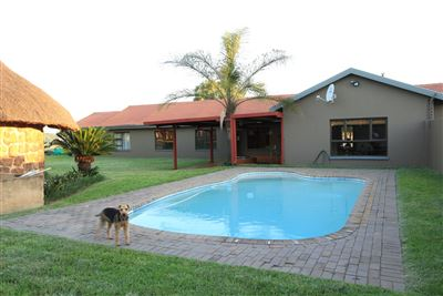 Property and Houses for sale in Mnandi, House, 4 Bedrooms - ZAR 5,400,000
