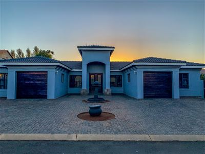 Property and Houses for sale in Raslouw Glen, House, 4 Bedrooms - ZAR 2,980,000