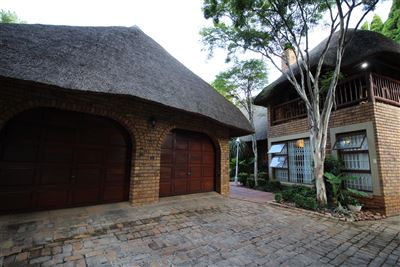 Property and Houses for sale in Faerie Glen, House, 4 Bedrooms - ZAR 2,995,000