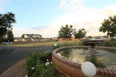 Property and Houses for sale in Raslouw Glen, Vacant Land - ZAR 1,350,000