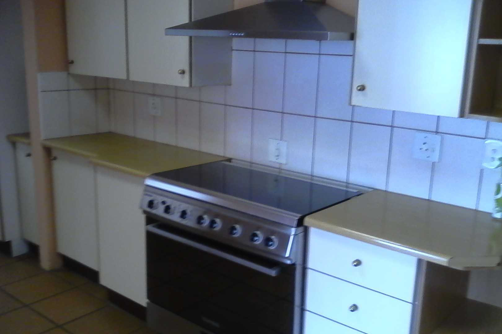 Large gas stove & oven
