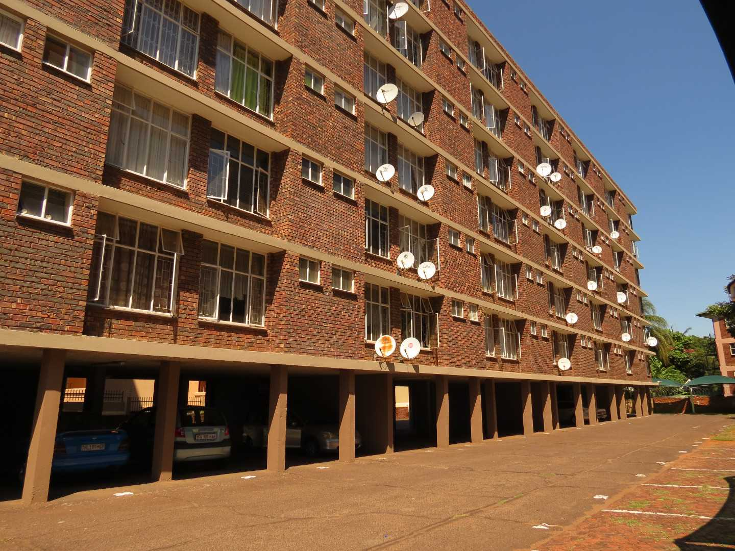 Six storey block in immaculate condition