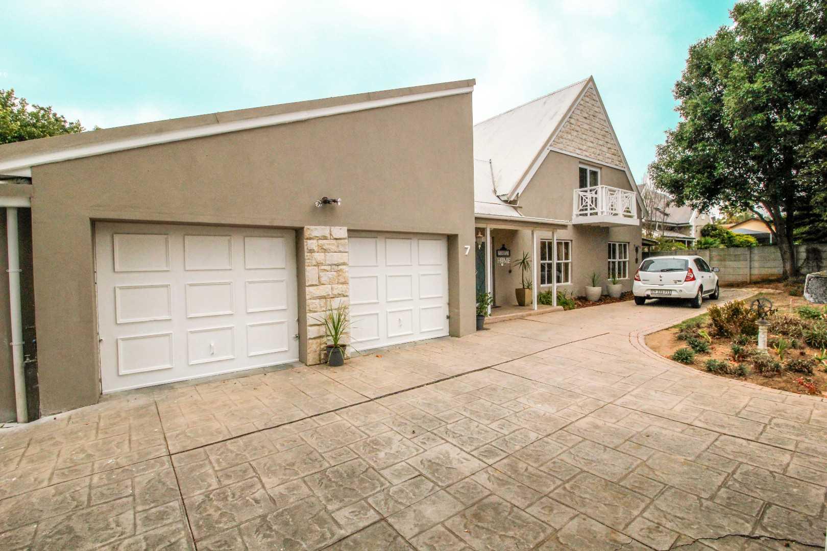 Private Dual Living House Par Excellence