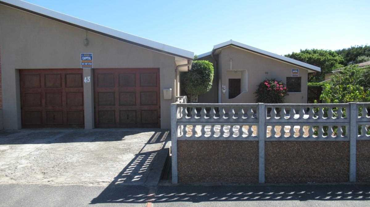 3 Bedroom House in Windsor Estate Kraaifontein