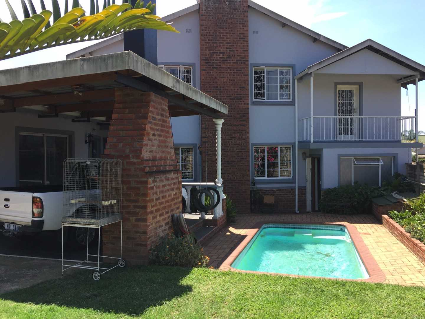 Townhouse with attached flatlet