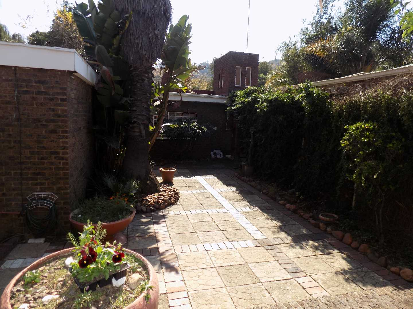 Good 3 Bedroom house in Mondeor