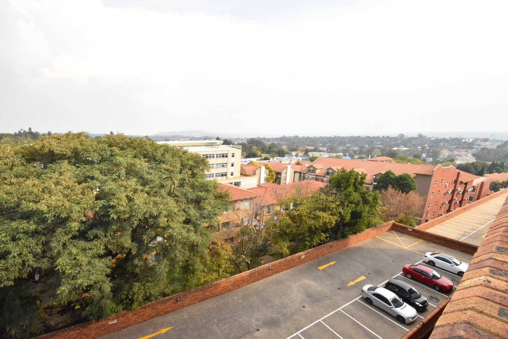 Units on the upper level can see all the way to Northcliff. Watch beautiful sunrises and sunsets from the privacy of your own apartment.