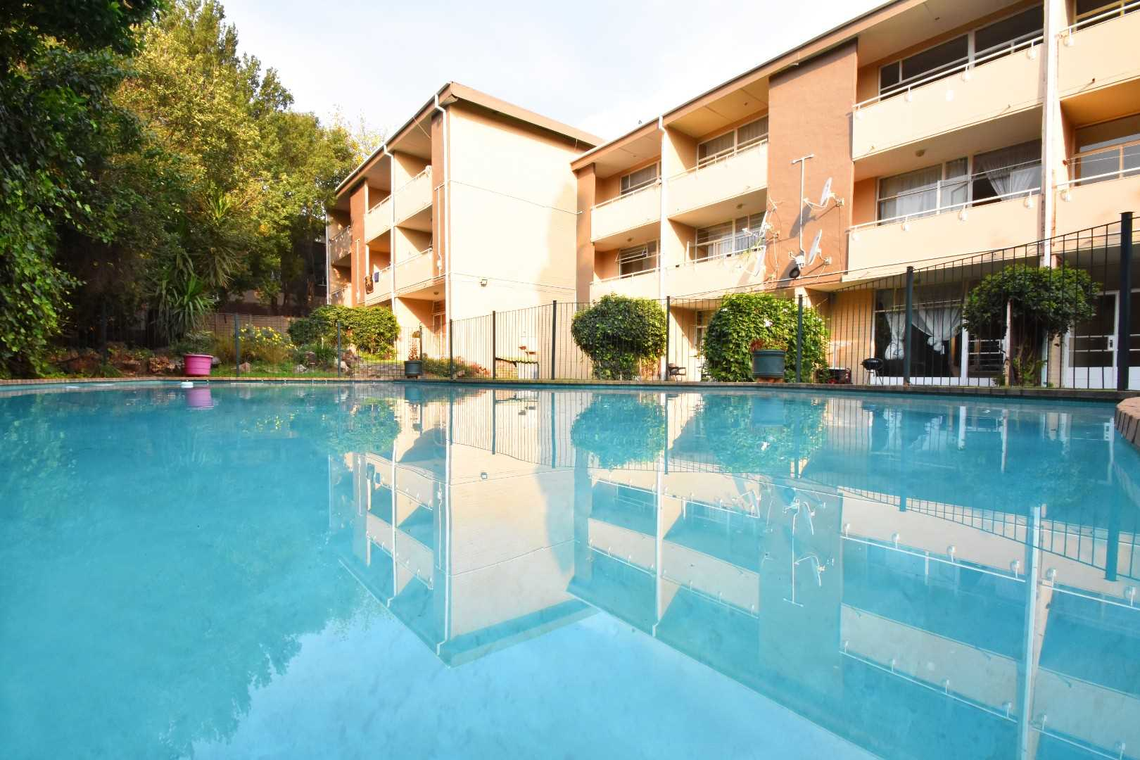 Neat well maintained, excellent management, and great communal garden and swimming pool.