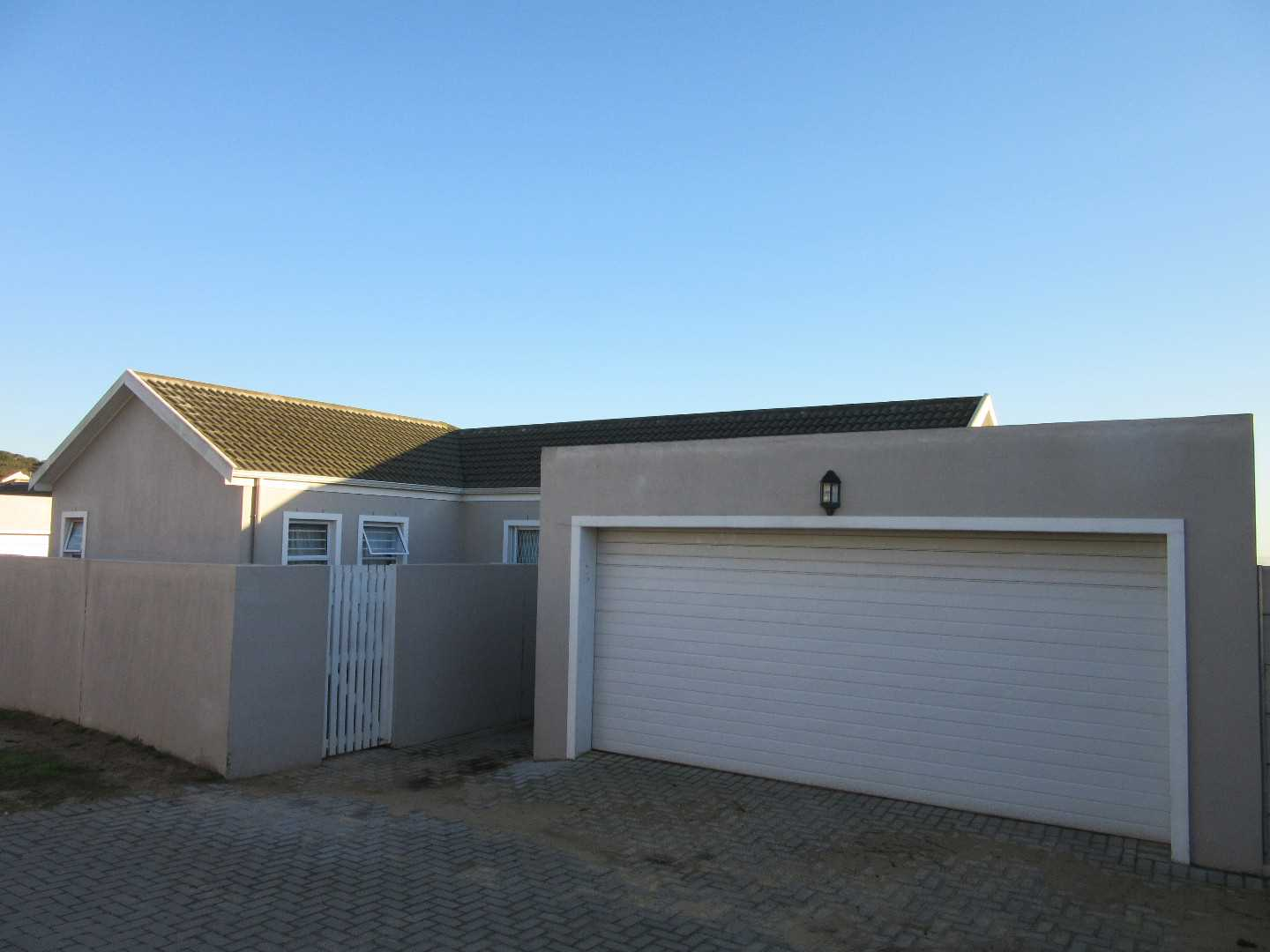 Stone Hill: Modern Three Bedroom Townhouse with D/G