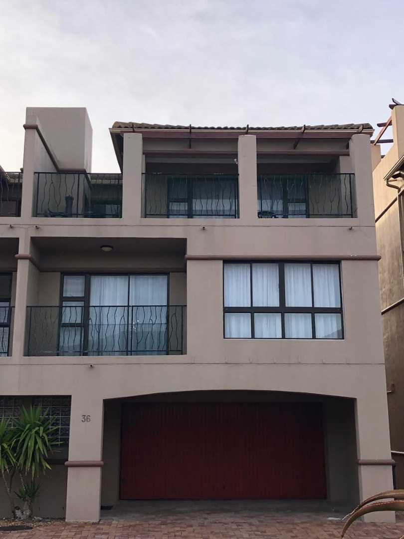 3 Bedroom Triplex in La Paloma with Beautiful Views