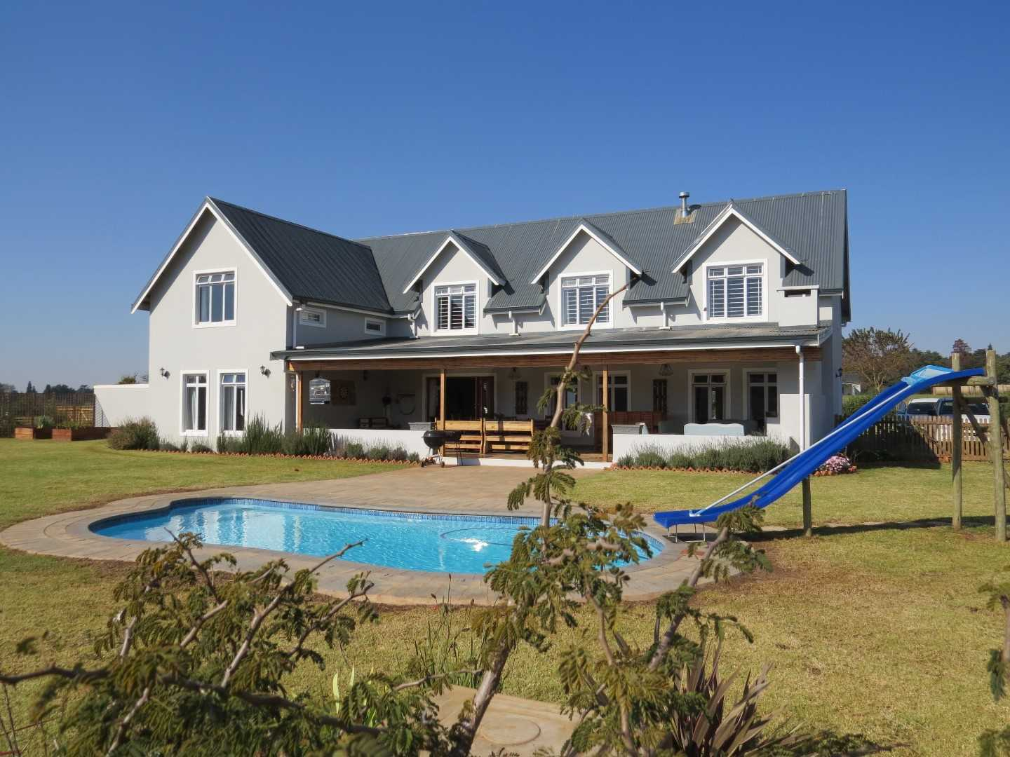 Large Executive 5 Bedroom Home In Howick