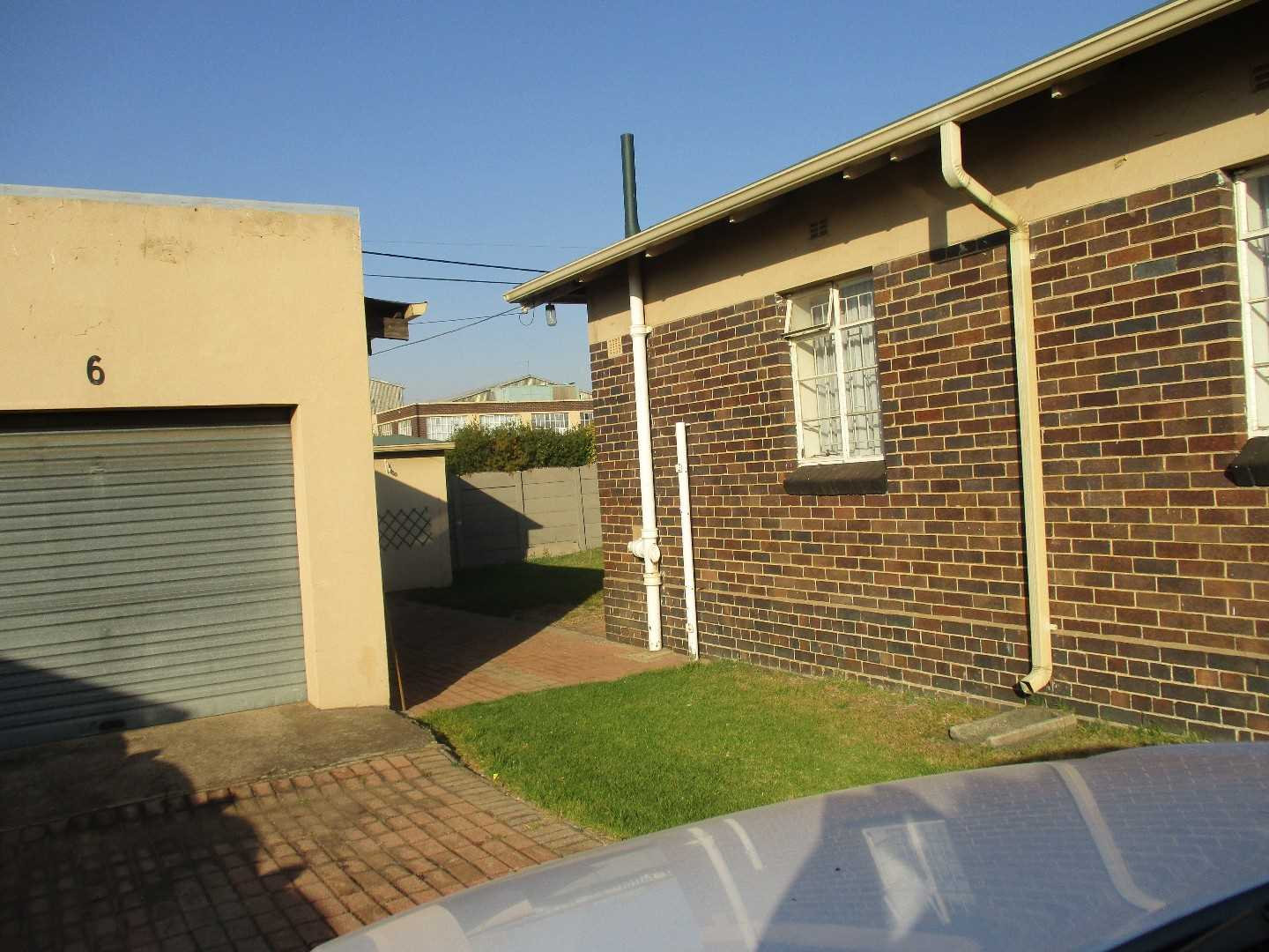 Be captivated by this R690k, 500 sqm breath taking home