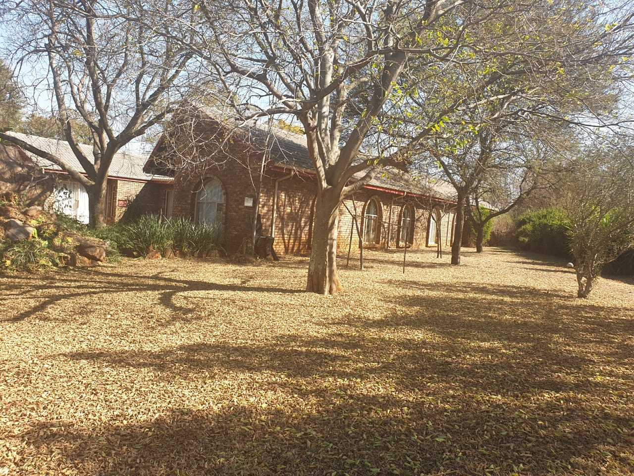 Spacious Plot For Sale in Raslouw