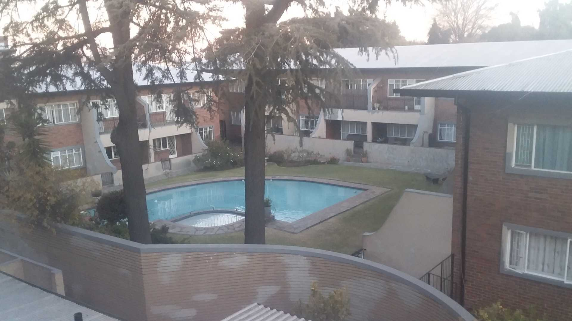 Access to stunning pool and braai facilities. This complex is safe and secure and has much to offer.