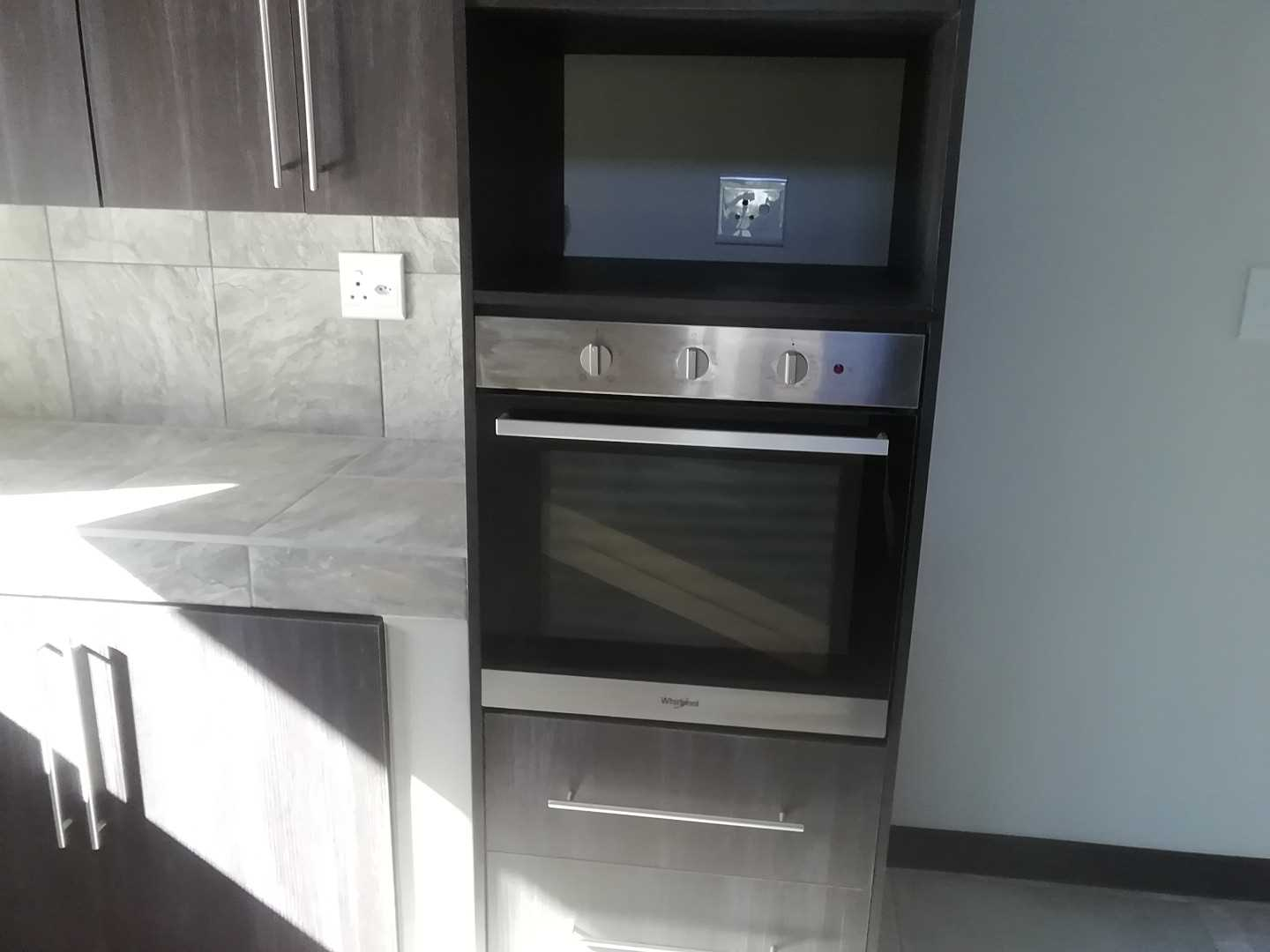 Kitchen. Electric oven