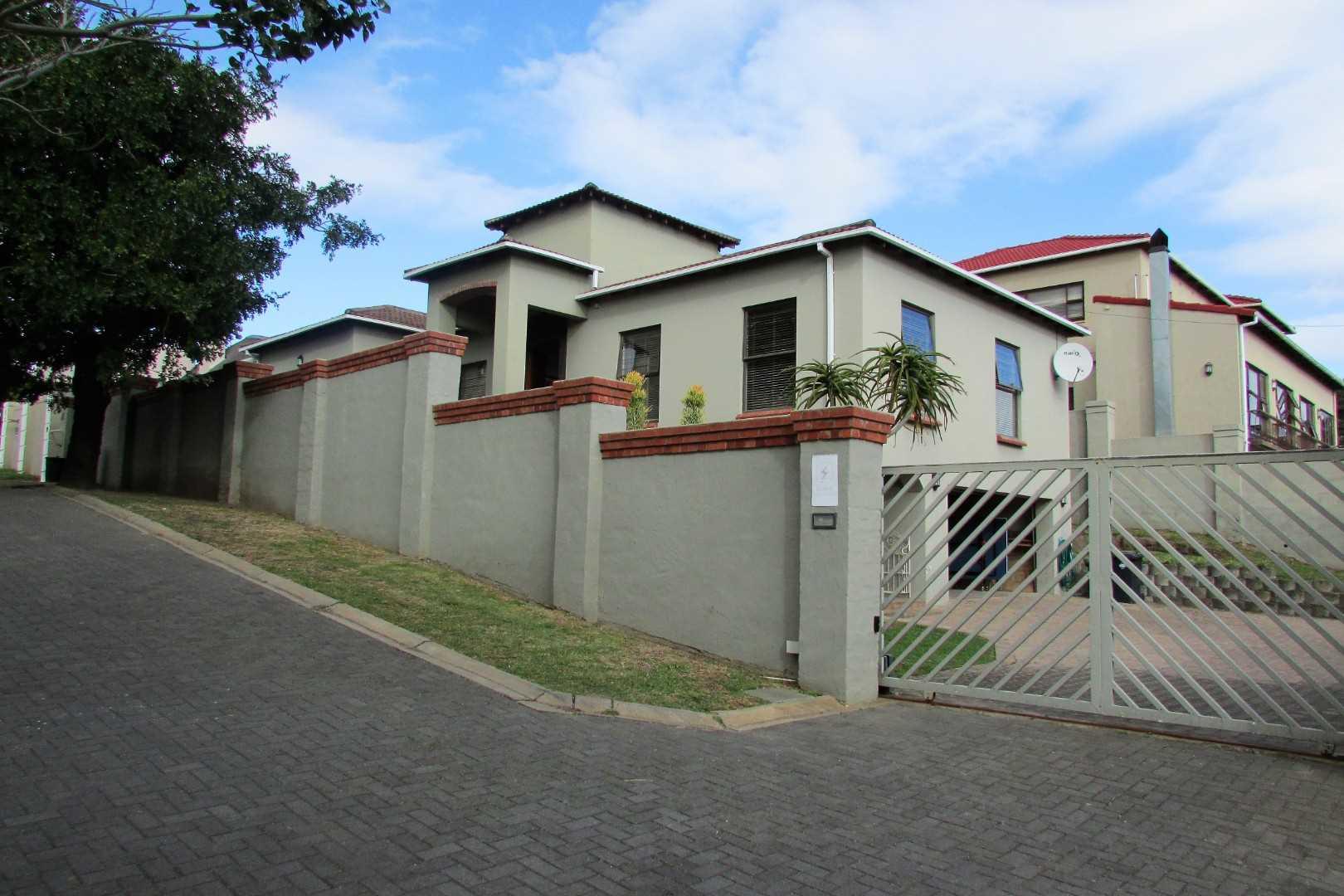 Upmarket three bedroom house in Vincent