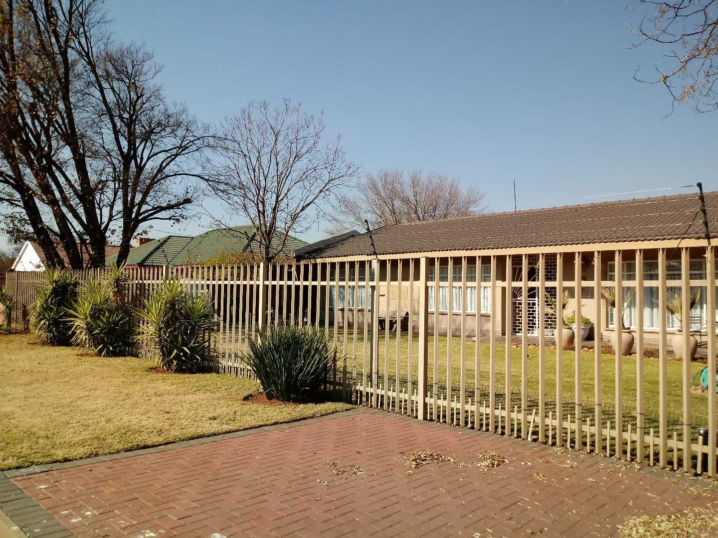 2 Houses on 1 stand for sale in Risiville.