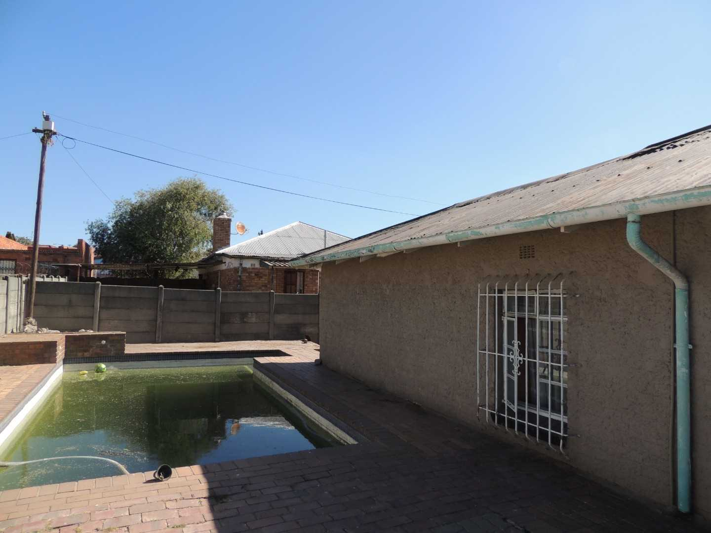 Remove, Renovate Or Rent - A Bargain House in South Hills