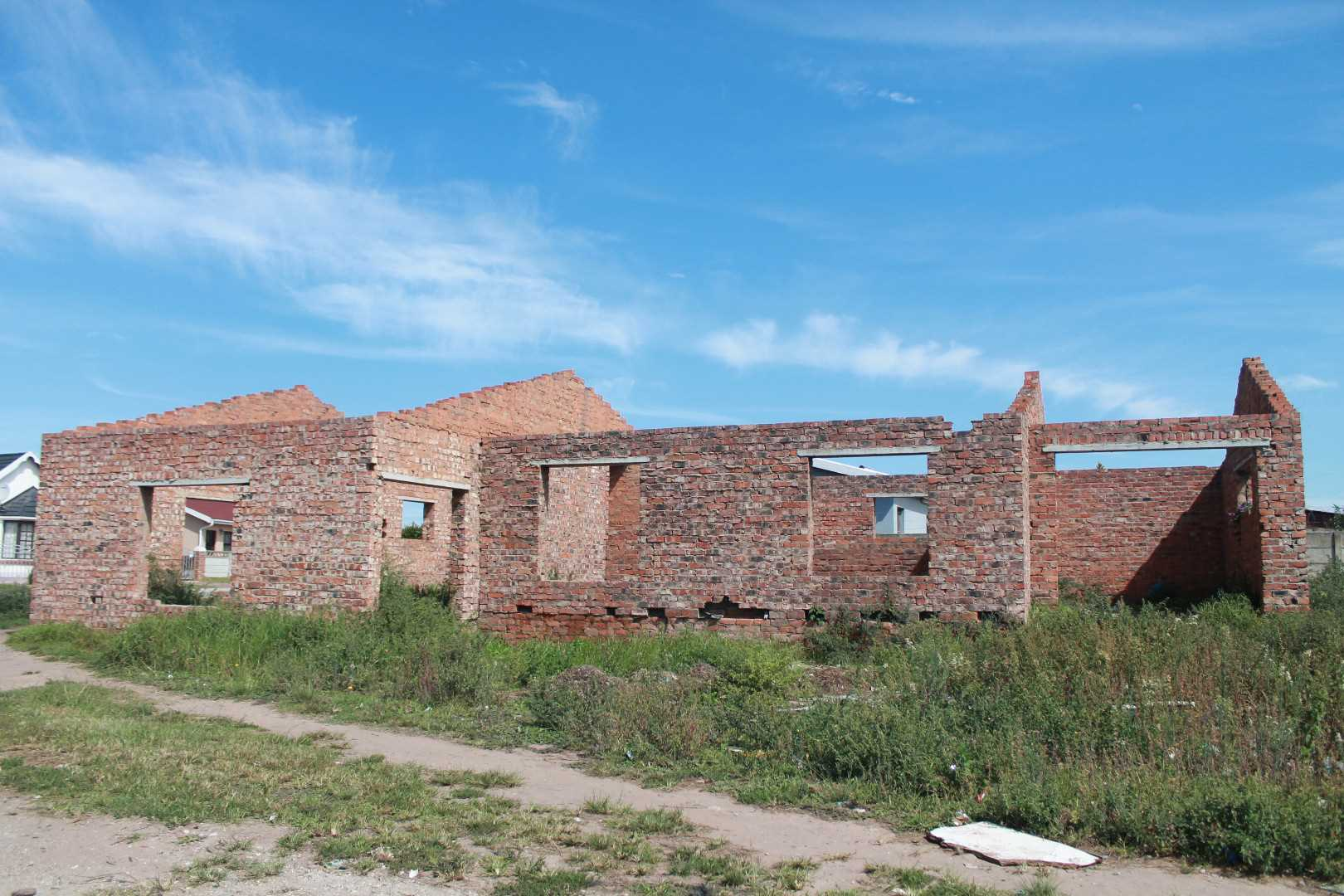 Incomplete home with great potential - Pacaltsdorp