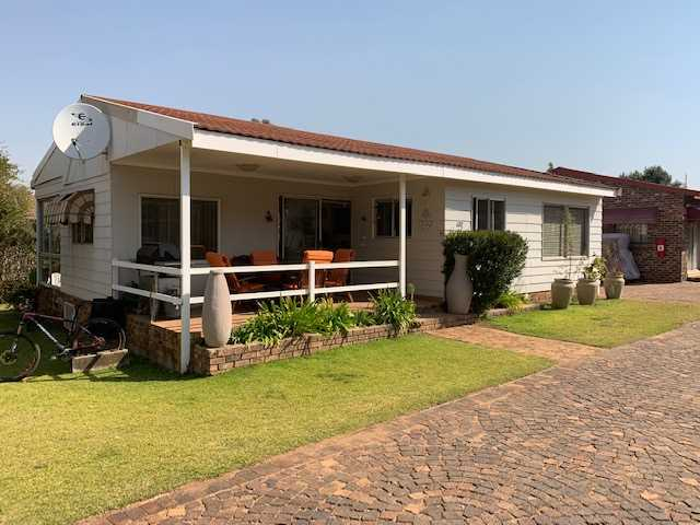 Secure Estate at the Vaal Dam