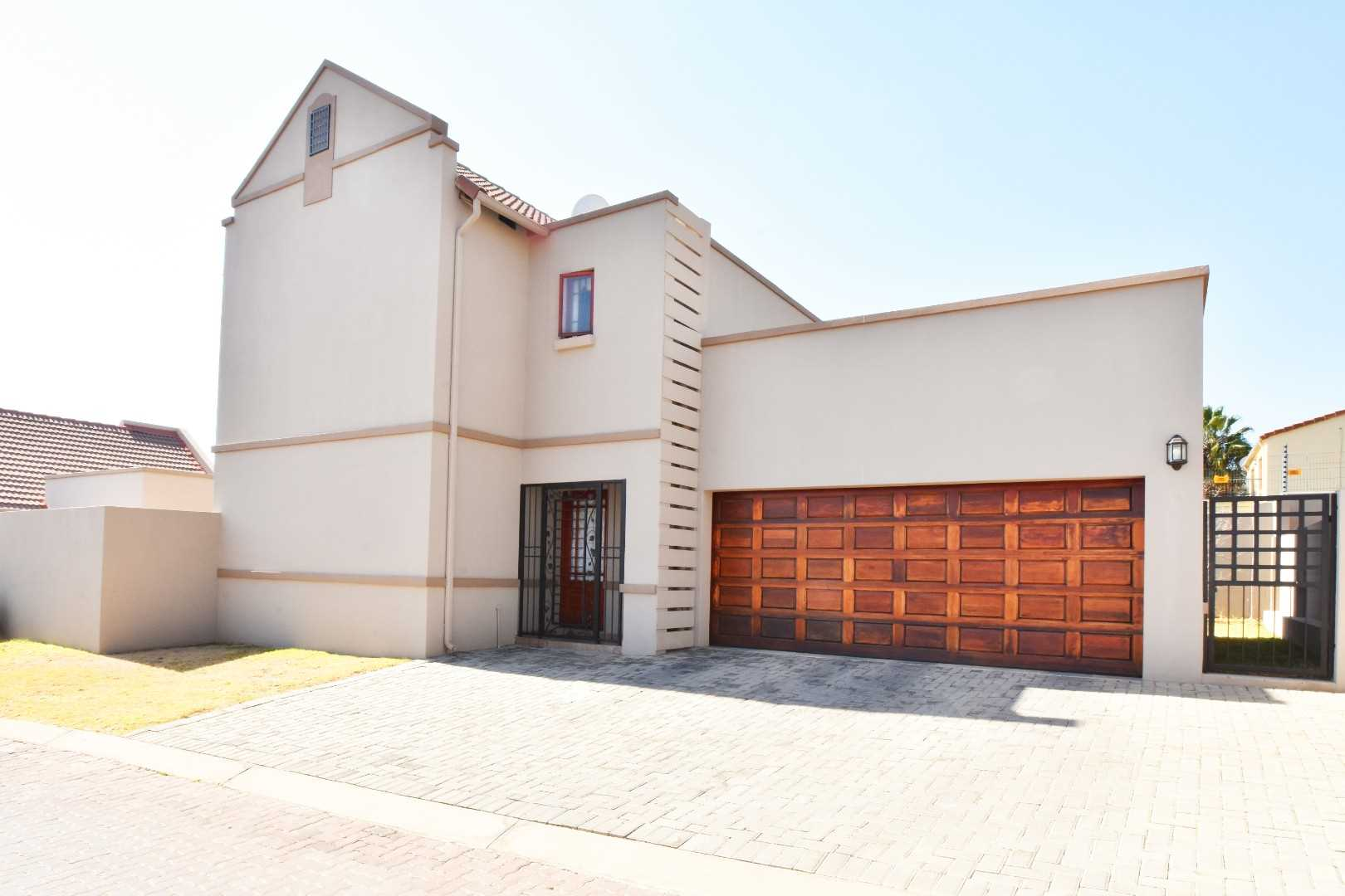 2 Bed, 2.5 Bath, Double Automated Garage