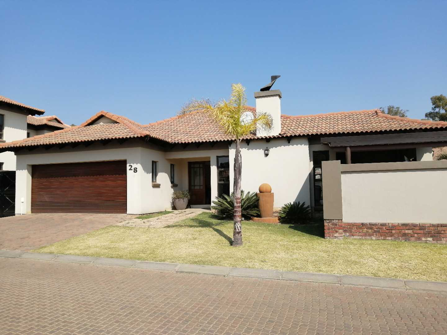 Executive 3-Bed 2-Bath Cluster in Glen Marais