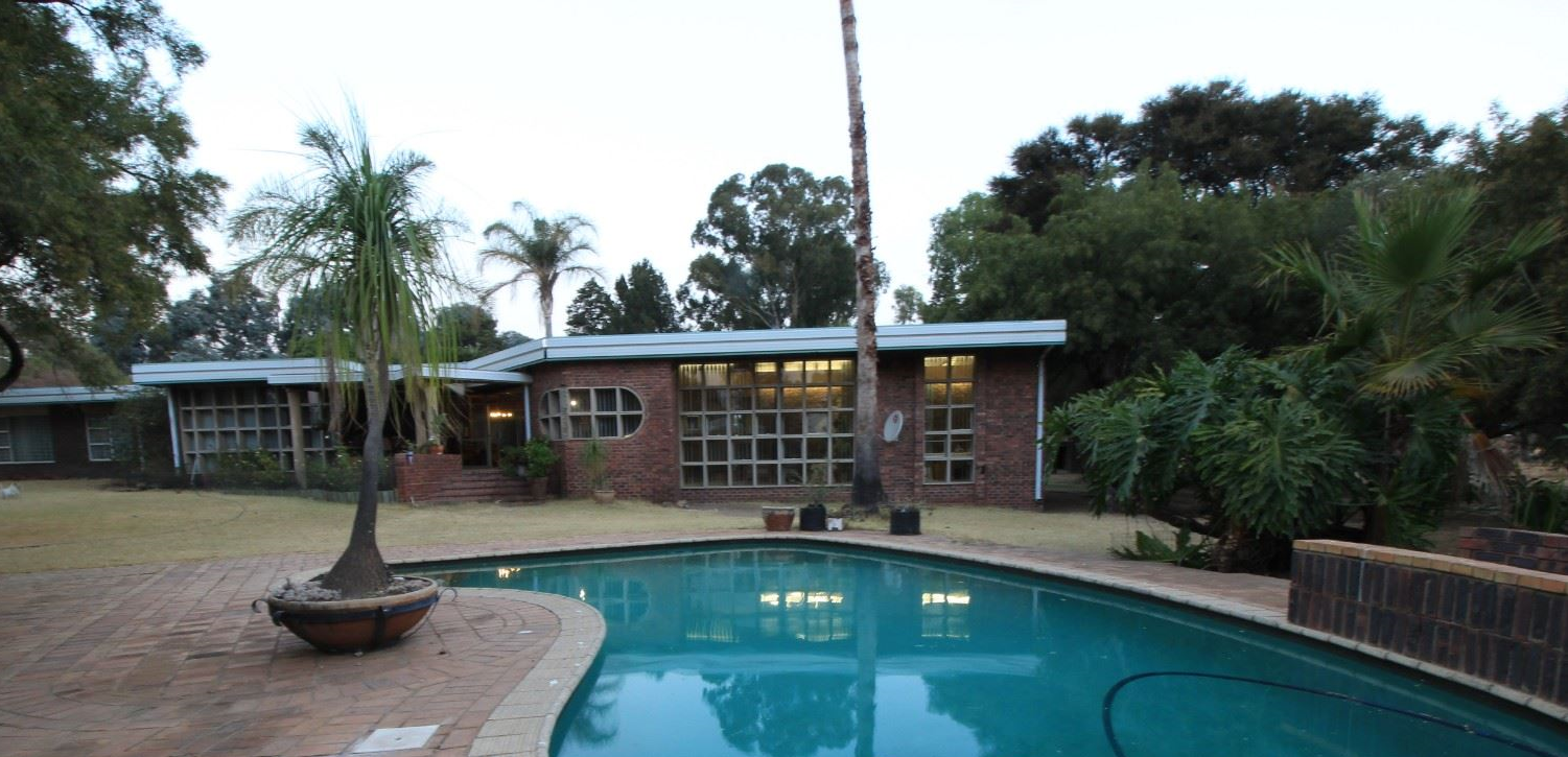 Magnificent 5 Bedroom Home in Mnandi