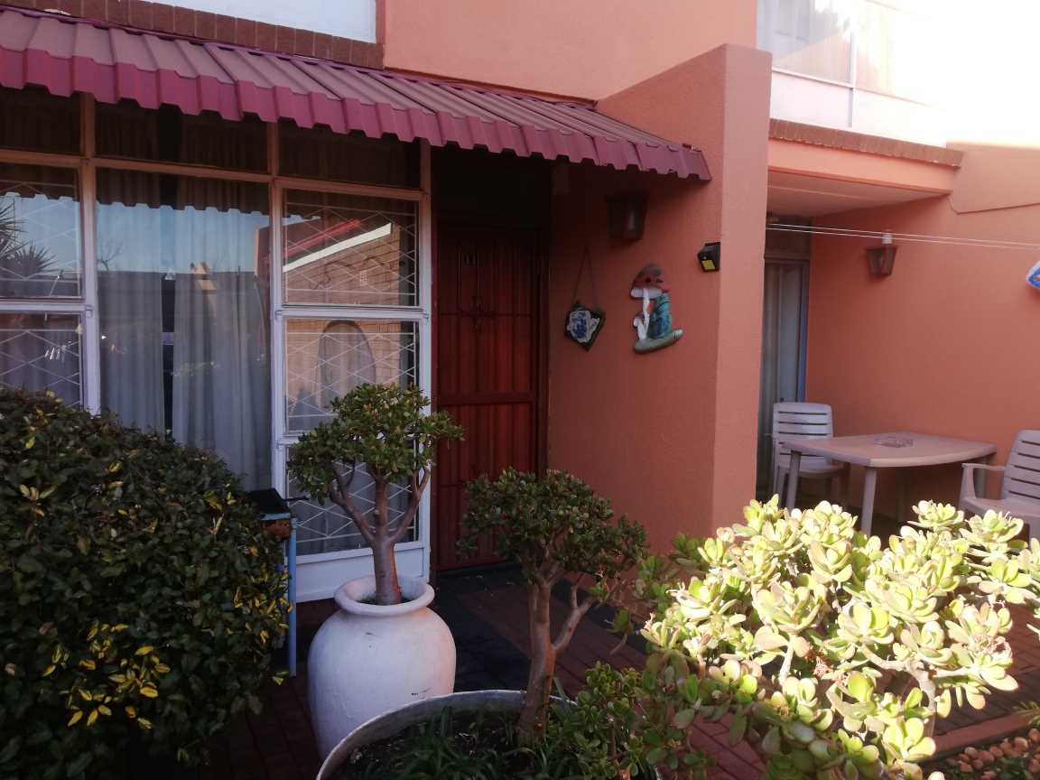 Vanderbijlpark SW1 - Three Bedroom Townhouse