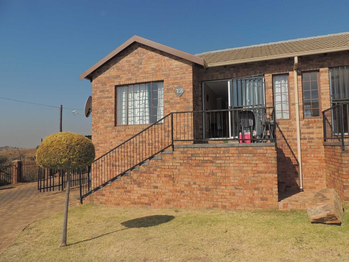 Ready to Move In Townhouse in Elandspark,Johannesburg