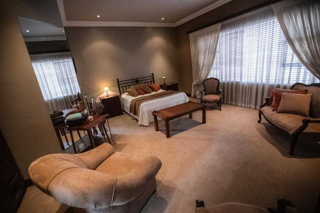 Lovely spacious bedroom with ensuite bathroom