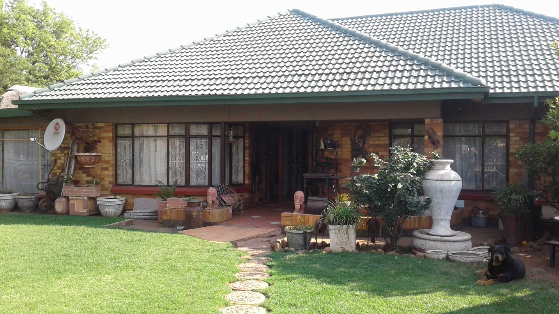 Vanderbijlpark SW1. Family home with a full granny flat