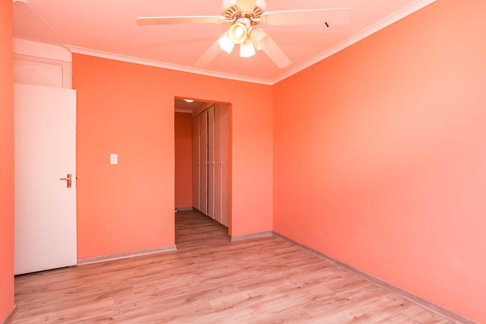 Full Bathroom , dressing room, en-suite