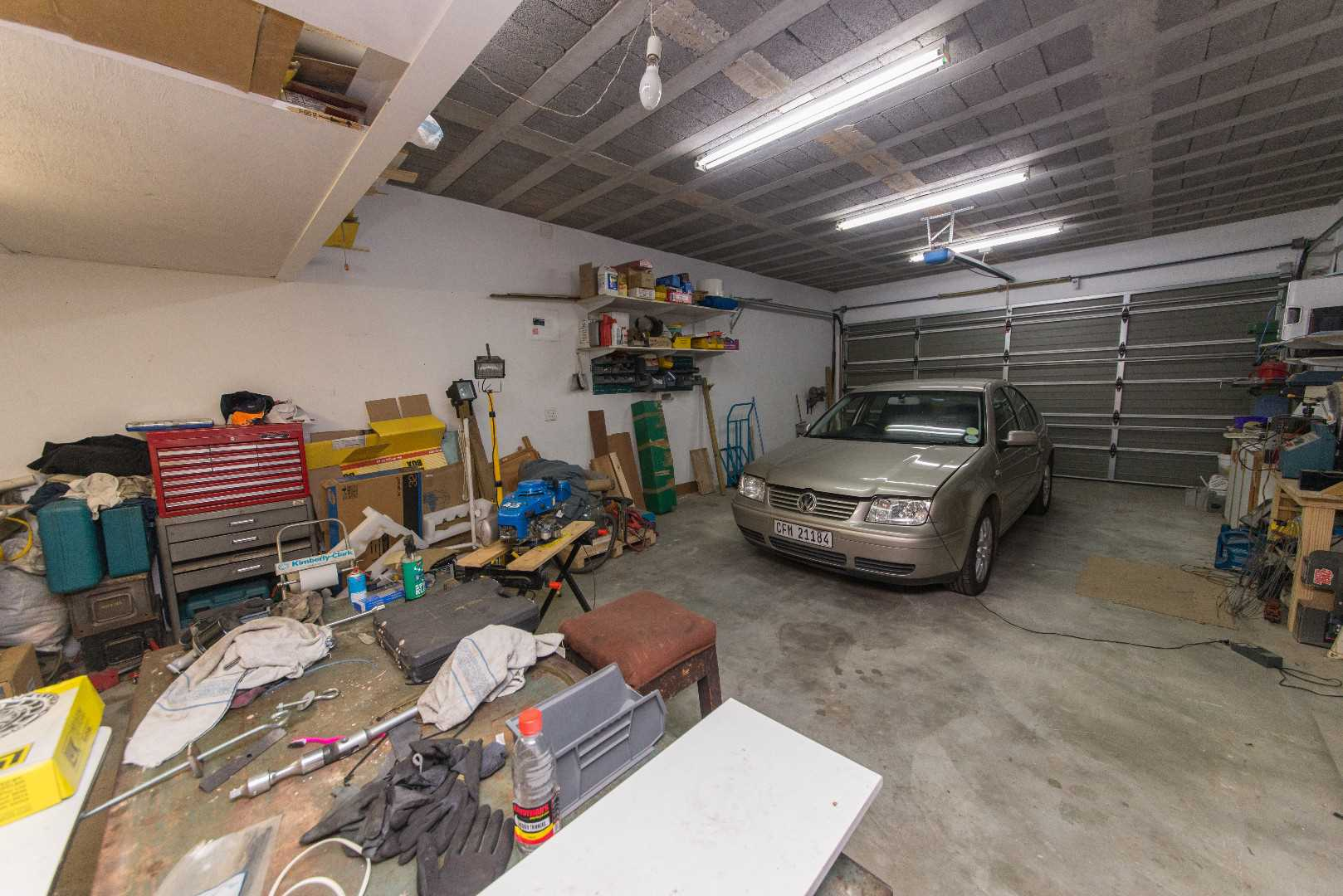 garage big enough for 4 vehicle or as a workshop