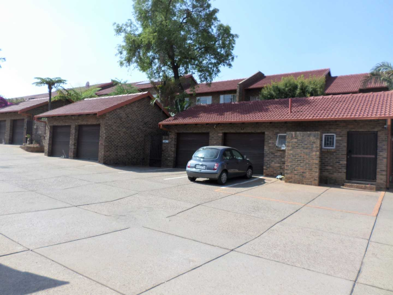Cozy 3 Bedroom Duplex in Garsfontein