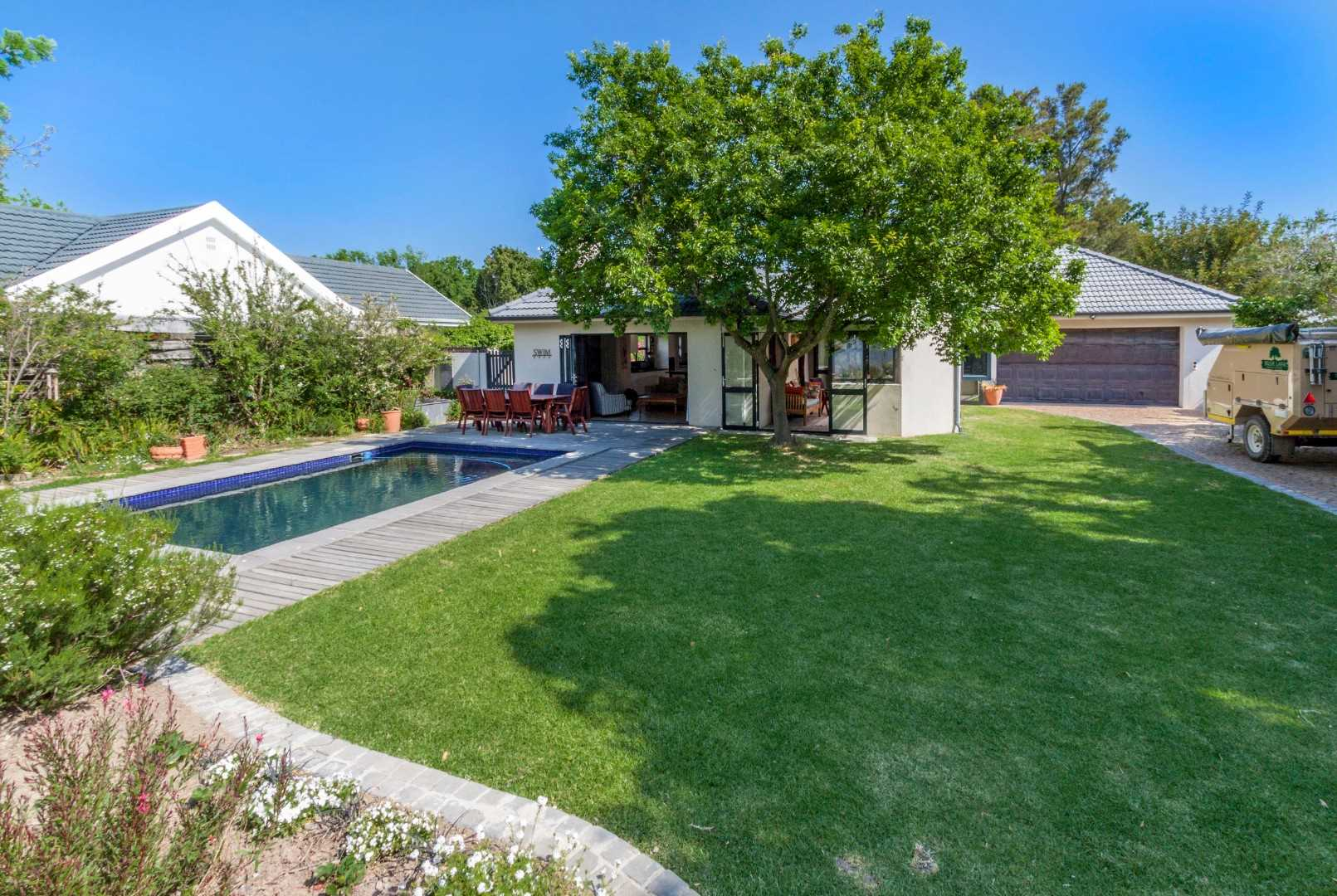 Family Home in Sought After Morningside Somerset West
