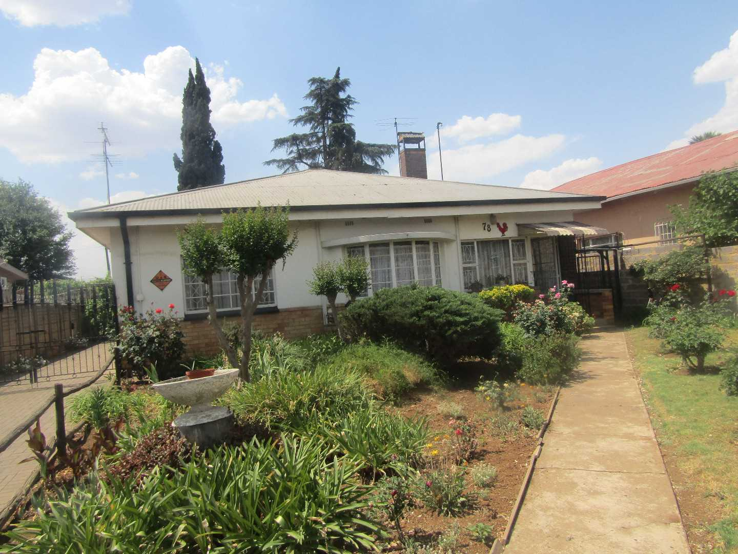 Well maintained property up for grabs
